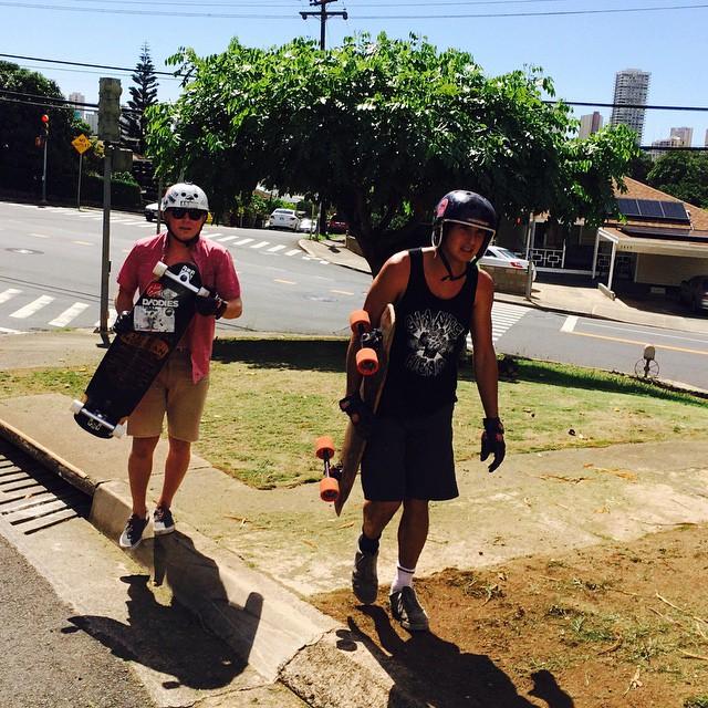 @liam_lbdr_ @nebulas_nakanelua getting busy in #oahu #RAWASF$CK #skateboarding #hawaii @arborskateboards @arborvenice @skatebloodorange #calibertrucks