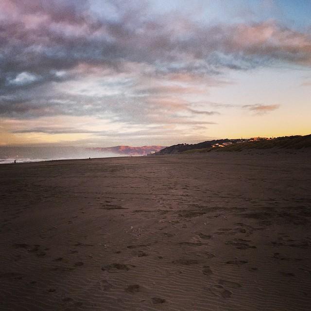 Good morning! #sanfrancisco #sunsetsf #surf #bikini #california #beachvibes #cityvibes