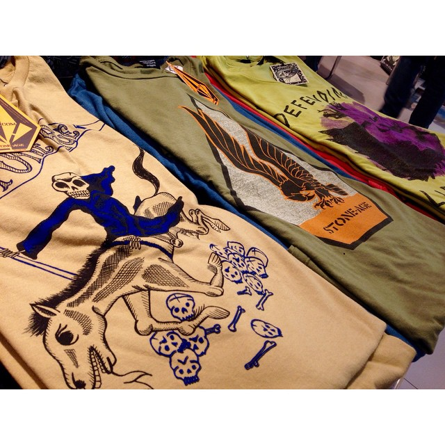 Featured Artist series en #VolcomStores #SS15 #Verano #Volcomtee #featuredArtist date una vuelta!!!