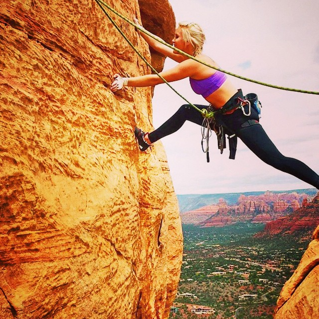 @seelyseeclimb featured for our #mountainlifeco #mountainwomen  #wednesday #mountainwoman #dirtbarbie Steppin it up in #sedona #themace #scenic #rockclimbing #womenofclimbing #girlswhoclimb #iloveclimbing #photosofclimbing #climbing_photos_of_instagram...