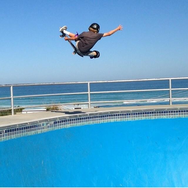 Regram @k33gan #bondi . Keegan wears the S1 Lifer Helmet. #skateboarding #bowlrider #australia #skatehelmet #s1helmets #s1 @s1helmetsaus