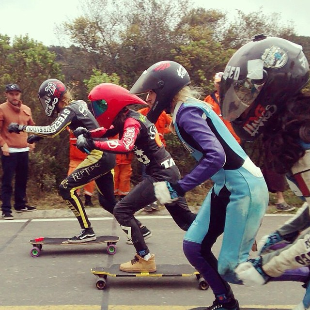 Repost from @spokywoky #FestivaldelaBajada starting line! @spokywoky @palaxa @magalyfbe pushing to position. Marie SpokyWoky ended up in 1st place. Next stop #Tarma Peru! Andres Felipe photo.  #longboardgirlscrew #girlswhoshred #idfracing #colombia