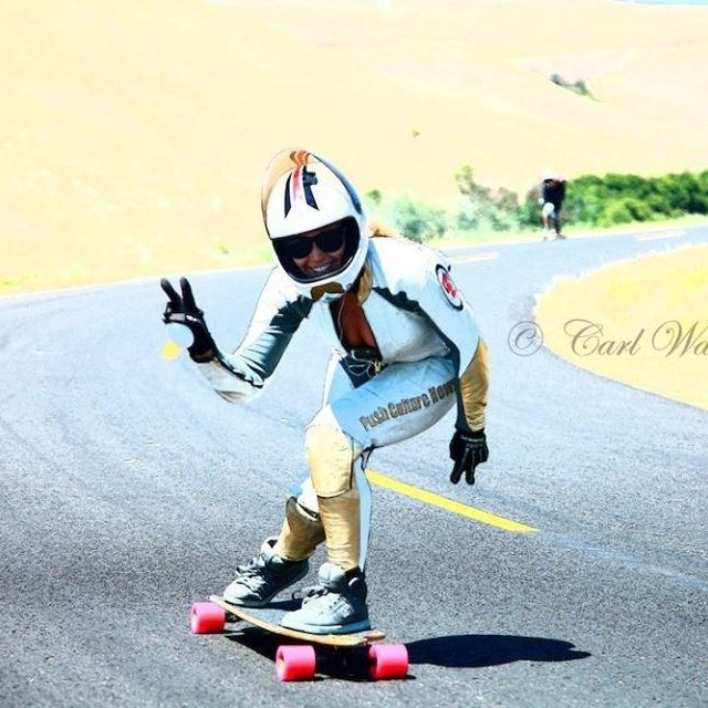 The lovely Jenica Davenport @longboardlady from @pushculture showing how it's done with style & grace. Pic Carl Warren @insuranceboy123 #youcantlearnthisatschool #thisiswhysheslongboardlady