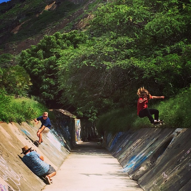 @liam_lbdr_ and @camrev33 with @theduster22 handling biz on #calibertrucks in #oahu with @radicalsmith @808skate