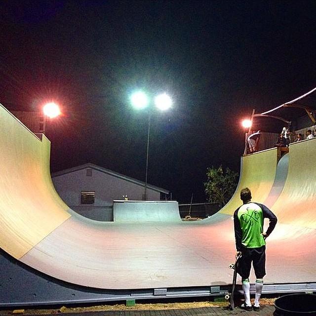 Regram @sparagram @scizzorsman eyes the prize ! #skateboarding
