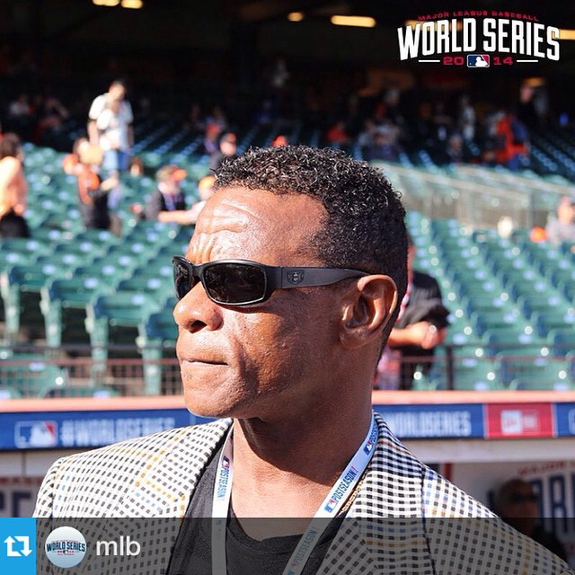 G.O.A.T stealing the show again #prettyricky #worldseries2014 #sfgiants #kcroyals #dynastyvsdestiny #rickyhenderson #GOAT  #Repost from @mlb --- Rickey in the house. #WorldSeries