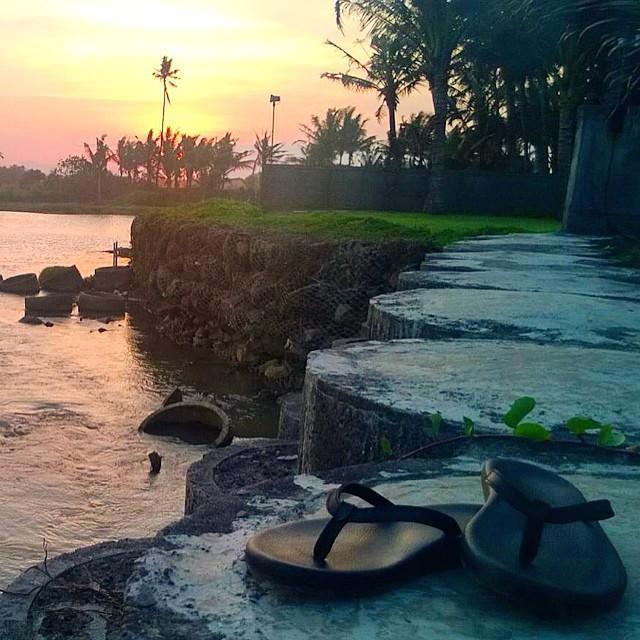 Sunset Sundaze - the kick it spot ✌ #sunsetsundaze #double6sandals #66 #soleswithsoul