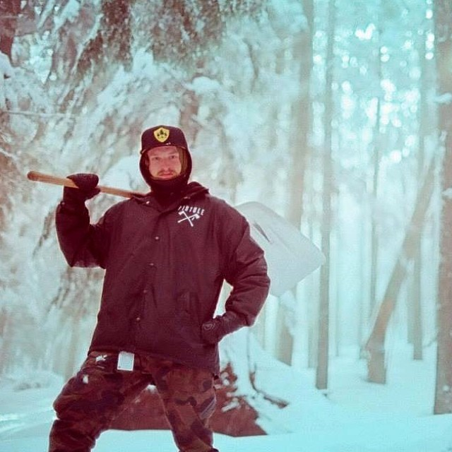 The wait is over and winter has arrived. iNi rider, Jake Rose @rakejose421 is already out there gettin after it. Lookout for big things from this toothless ripper this upcoming season. #PNW #RideTillYouDie #Spokane #Snowboarding @smokinsnowboards...