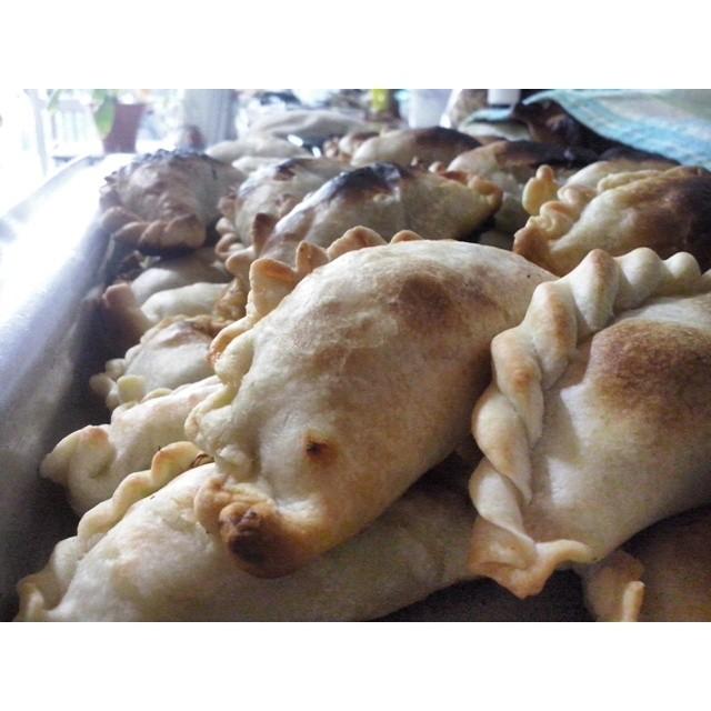 La gloria en empanadass #cincuentaañitos #food #love #empanadasalteña #diadelniño