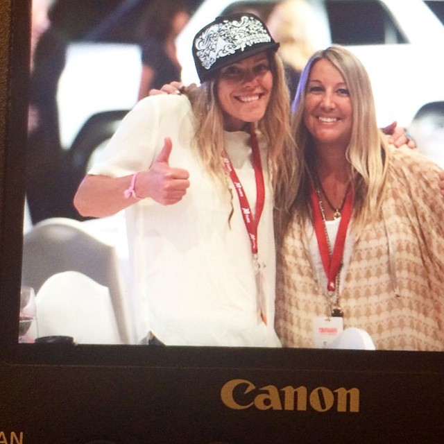 Captured: a moment back at #espnsummit when two of my favourite ladies met! @sportsstylist @lynseydyer #athlete #creative #girlsthatshred