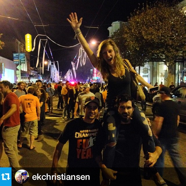 Celebrations on #chestnutstreet for #sanfrancisco #Giants #worldseries #champions #regram @ekchristiansen #mlb #baseball #sfgiants #toiletpaper look who we found in the streets @this_changes_everything --- Love this town! @surfbreak @justunosocial...