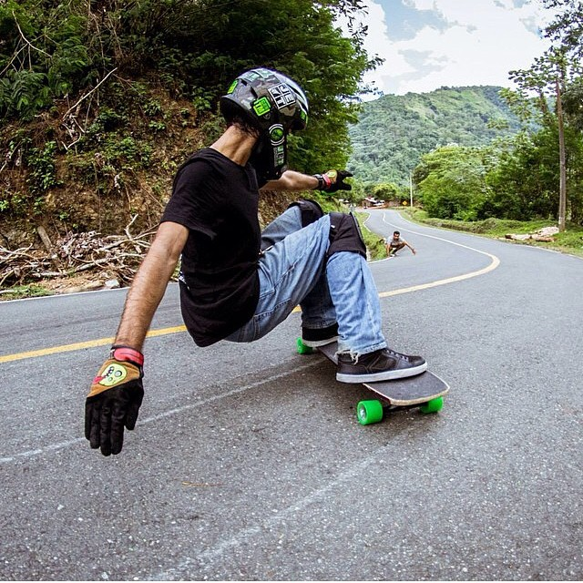 Sexy gloves @miguelcabreja #staysteez #keepitholesom pic @juanca_p