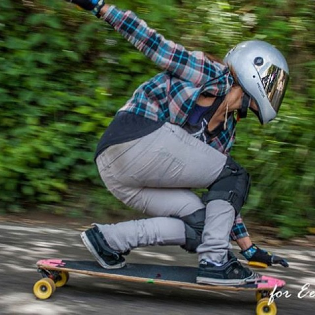 Head over to www.longboardgirlscrew.com  and check out Venezuelans LGC skater Oly Garcia's new article! Shot. Ricardo Dominguez #longboardgirlscrew #girlswhoshred