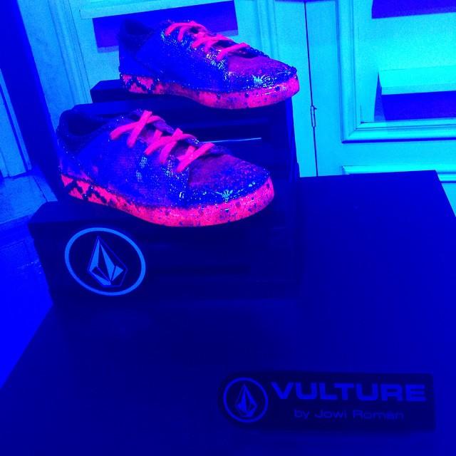 Largo! #Volcomfootwear Vulture by @jowgallery #Volcom #Art #featuredArtist