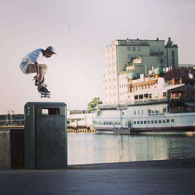 The #LRGpandanavia trip is go. #ollie #skate @marekolous