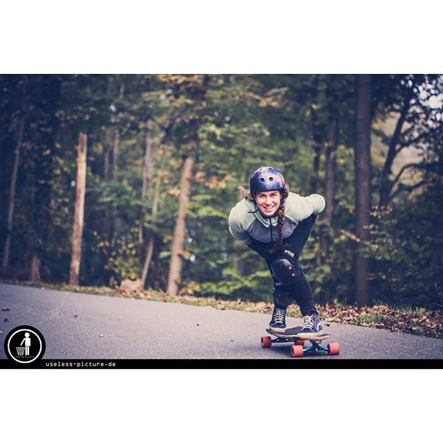 Longboard girls crew Germany ambassador @janinelafranca knows how it's done! Smiles all around. Happy Sunday everyone! Shot by. Useless-picture #longboardgirlscrew #girlswhoshred