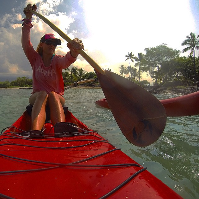 Different strokes for different folks, this one blade you'll have it made.  #hollowpaddle #phbalanced #paddlehawaii #gonnafly #gopro #brlshawaii #odinasurf #kaiwaa #itakebioastin #konaboys #gearforislandlife #kaenon #isurfiyoga #oceanpaddlertv...