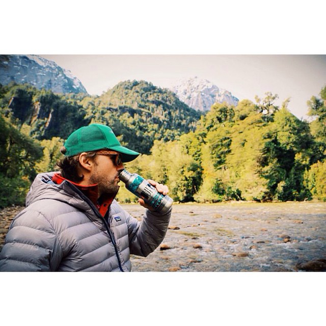 Fueling up on fresh water from the Patagonia with newly designed Bureo @kleankanteen...now in stock!