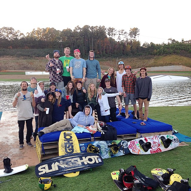 Solid day with the @cofcwatersports crew // be sure to check out @terminuswakeatl if your in the atlanta #happyshredding #leaveit #waterpushers #professionaloutsider #atlanta