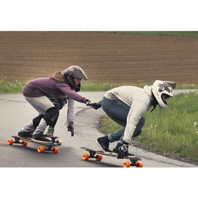 Go to www.longboardgirlscrew.com and check LGC Austria's new video presenting their riders, scene & events. Great job ladies!  #longboardgirlscrew #girlswhoshred #austria #gloriakupsch #annapixner