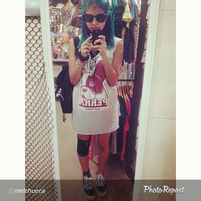 Aca @melchueca con el vestidito #perrabastarda original.