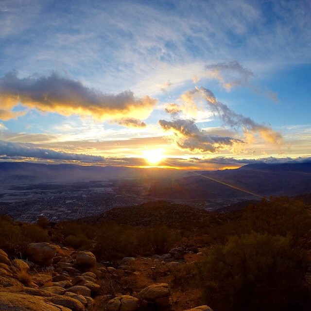 Beautiful #radparks sunrise by @benevolentwolf on the Cactus to Clouds Trail from Palm Springs to Jacinto Peak, the greatest elevation gain of any trail in the US!