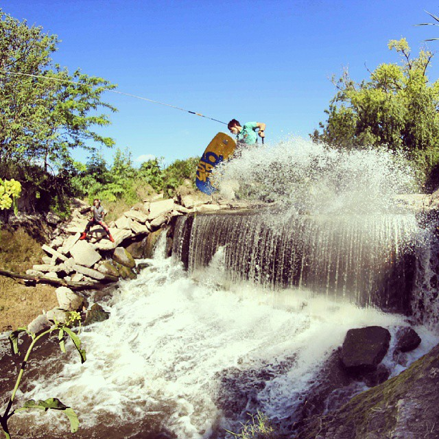 Ezequiel Marando nuestro team rider nos regalo esta foto de un fs 540 en un gap irreal. #thisiswow #acidwinchcrew #wakeboard #sick