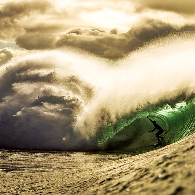 Check out this epic pic from @zaknoyle of surfer @billykemper charging a cloudy, moody day at Pipeline #Surf #SurfPics #Pipeline #Hawaii #Barrel