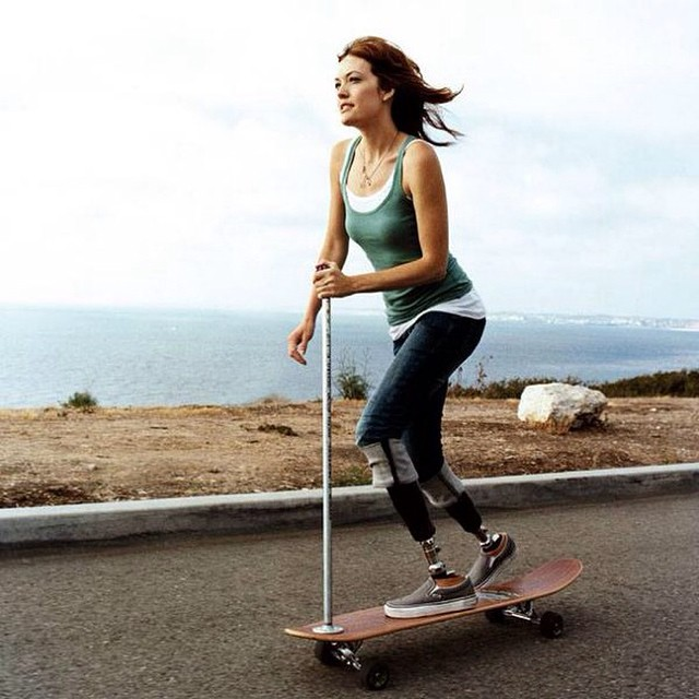 NEVER GIVE UP.  Support @adaptiveactionsports and their work.  #longboardgirlscrew #girlswhoshred #amypurdy #nevergiveup