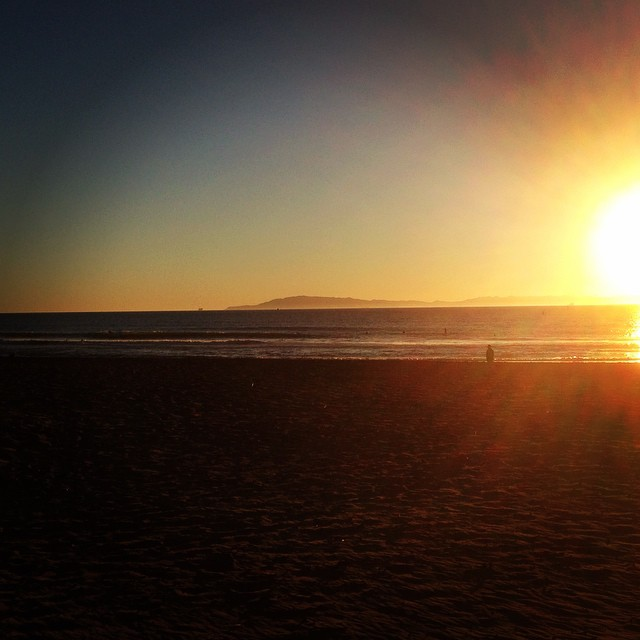 Awesome sunset surf in #ventura with the #wavetribe bros
