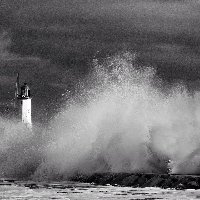#scituate #lighthouse #winter #newengland #coldwatersurf #bw #blackandwhite #canon #5d