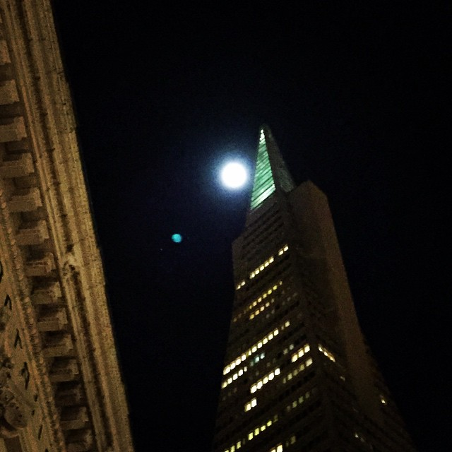 Last nights moon about to kiss the Transamerica Building #lategram #fullmoon #sanfrancisco #dancinginthemoonlight
