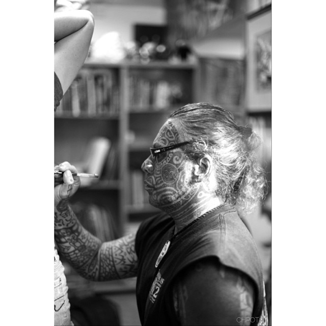 The man himself! This is Tihoti. Jules and I were lucky enough to have worked with him this year. Here Jules is getting a tattoo. Truly an amazing man! #tattoo #tihoti #tahiti ##canon #julesandclay