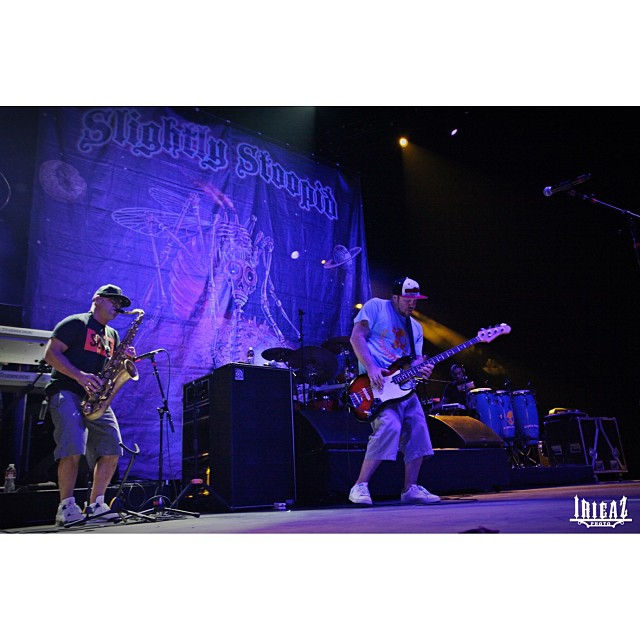 Slightly Stoopid's Dela sporting the Limited Edition noRep x JVH SURF tee. See @SlightlyStoopid in concert in Hawaii @jointherepublik on NOV 15! Get your noRep tees online at www.norepboardshorts.com! #Hawaii #Slightlystoopid #southshore #stoopidheads