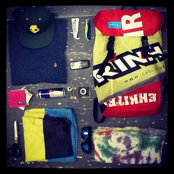 #SURVIVALKIT BY CHIRO, EN LA MESA DE CORTE/ EN LOS #SLIDERS @BARC . #gowakeboarding #discover #pack #mafia