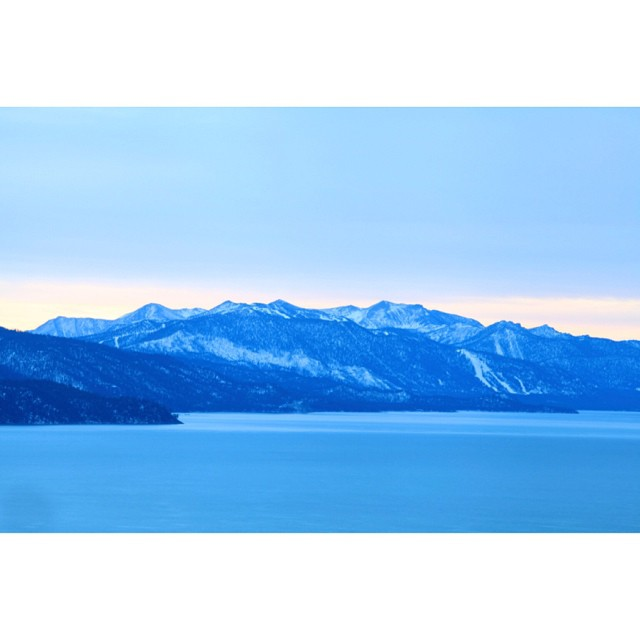 Winter on the horizon. #laketahoe #california #claytonhumphriesphotography #sunset #snowboardingonmymind