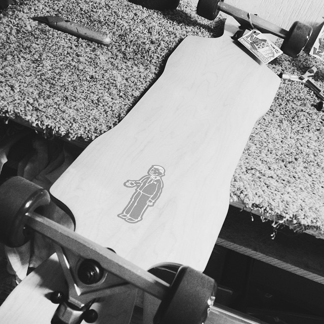 It's cloudy here today so it feels like #blackandwhite #photo #tuesday #skateshops #longboarding #thane #downhill #usa #happy #veteransday #thankyousoldiers #thankyouskateboarding #churchillmfg #meketaskogger #skateboarding #concretewave #moreforless...