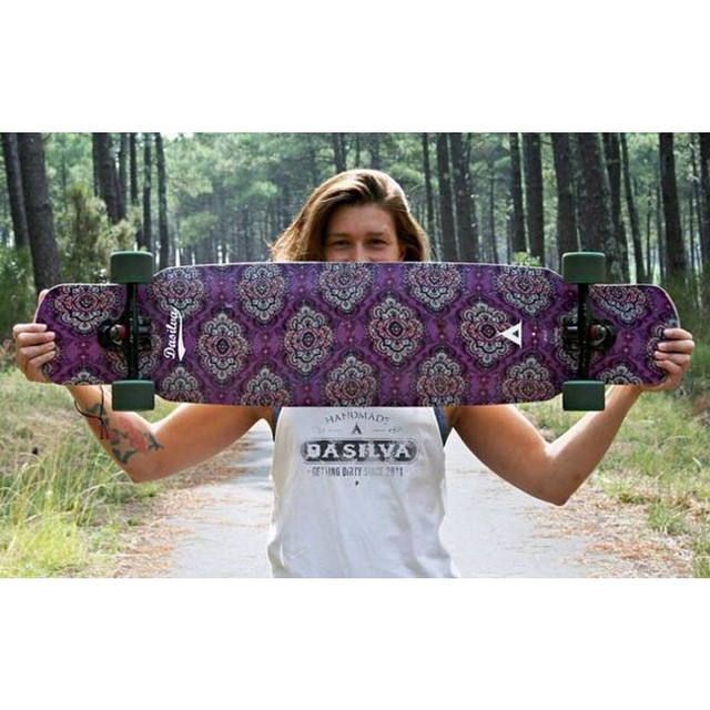 @dasilvaboards & #LGC German ambassador @janinelafranca holding her custom made #dasilvaboards. Fancy one? Check www.dasilvaboards.com and get some candy.  Follow them and support beautiful souls doing rad things. Long live  #dirtyhippies!  #wegetdirty...