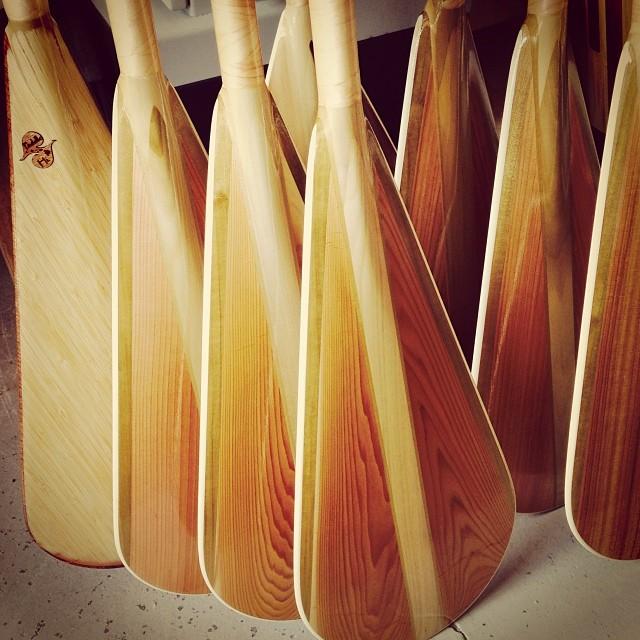 StandUp Paddles  #naturescarbonfiber NCF reinforced. Bamboo strengthened shafts and optional blade face shown. Lightweight but not a lightweight @standupjournal @rareform @goodpeoplelife