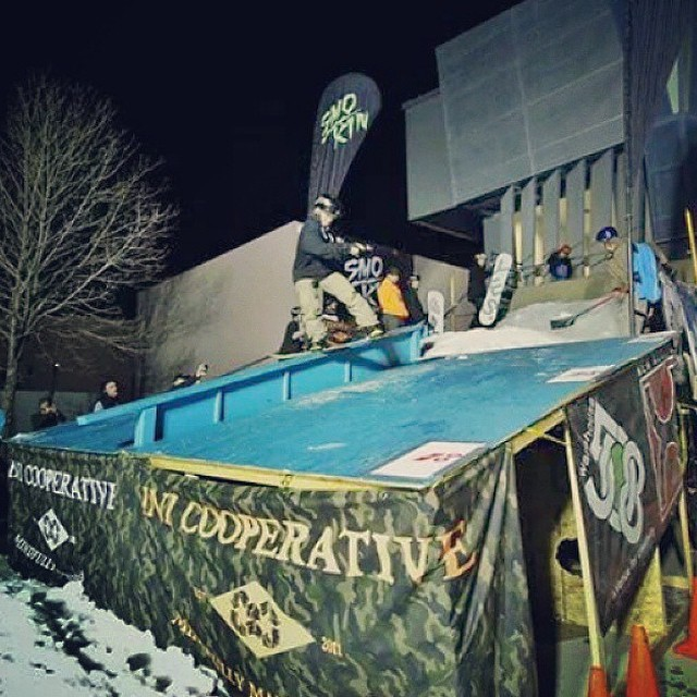 Sante Fe , New Mexico getting ready for winter , @smokinsnowboards @inicooperative rail event had a sweet feature. #forridersbyriders #handmadelaketahoe #OK