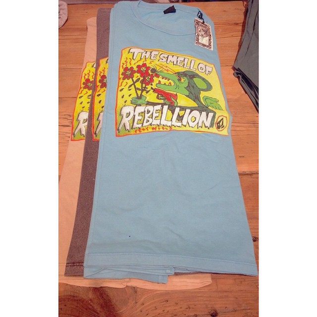 Smell of Rebellion #FeaturedArtist Volcom TEE @SS15 #Volcom #FA