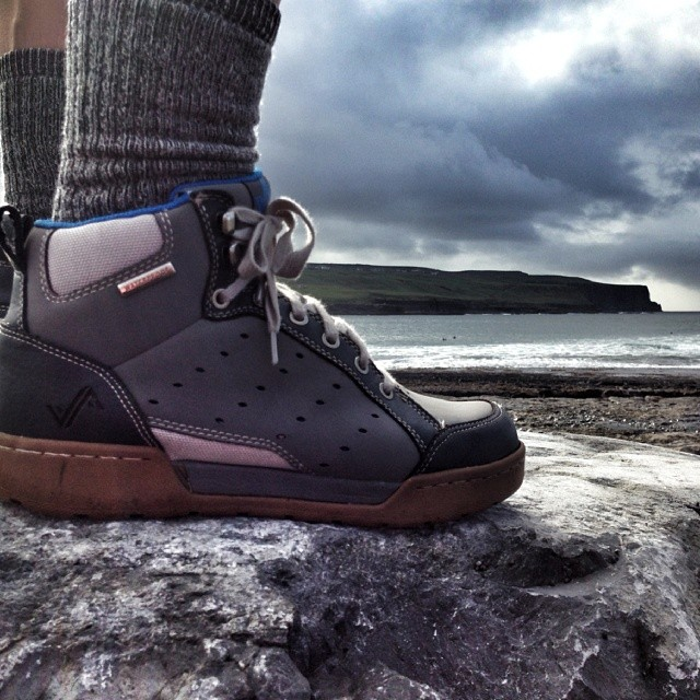 Pro photographer @mattiasfredrikssonphotography has been rocking a pair of Pilots around Europe and the US for the last month. Here's a shot from the Cliffs of Moher in Ireland. Lookin good! #mattiasdoesntneedafilter