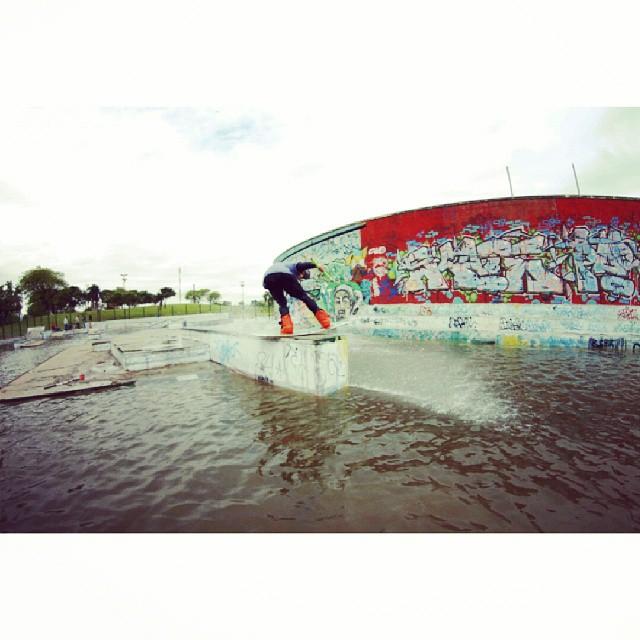 Iña nos dejo este increible backlip #acidwinchcrew #WOW #wakeboardteam