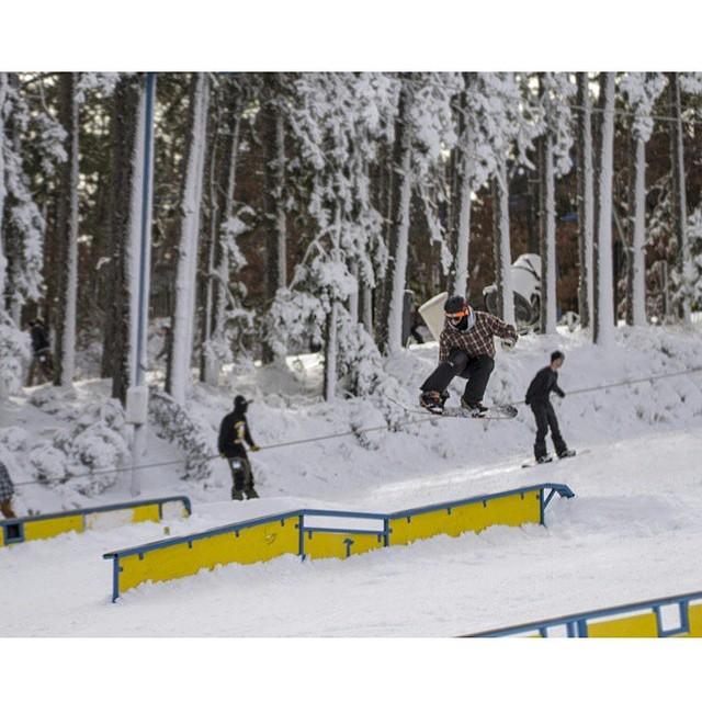 Team rider from #Minnesota @caseypflip❄️#FrostyHeadwear #Snowboarding @trollhaugentroll #Wisconsin
