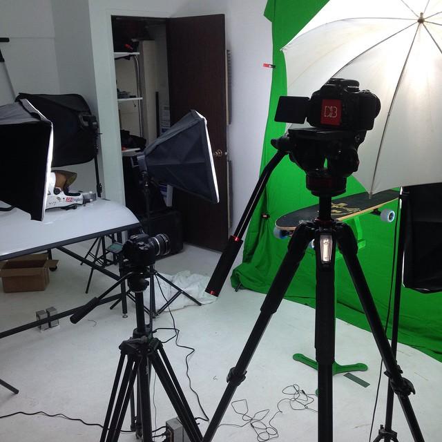 New video in the works. Green screen action!  #dblongboards #dbstudio @cloudridewheels #cloudridewheels #cloudride @atlastruckco #atlastruckco #atlastrucks #greenscreen #originstudio