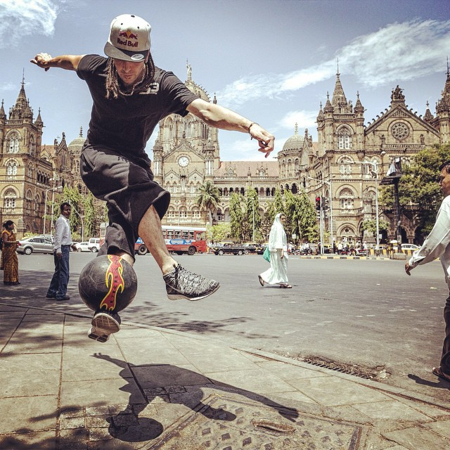 You need balls for this one. The world #streetstyle final is on this weekend. @seanfreestyle #soccer #football