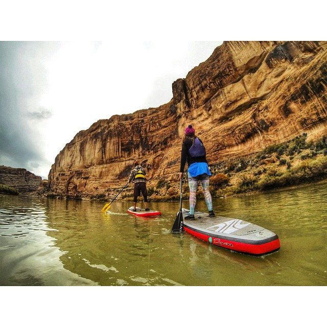Sunset paddle with my bud @kenhoeve #moab #utah