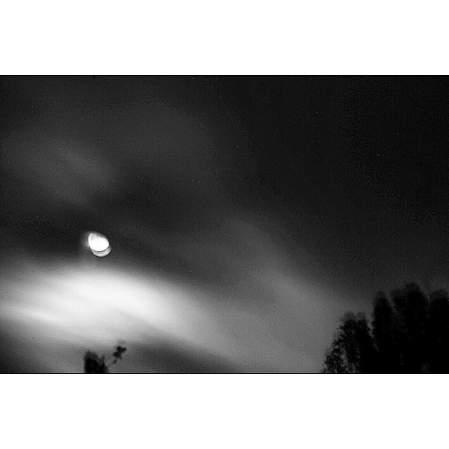 A little movement but still fun none the less. #moon over #Carneros in #Sonoma Good times with @mindysupdates  #claytonhumphriesphotography #bw #canon #winecountry