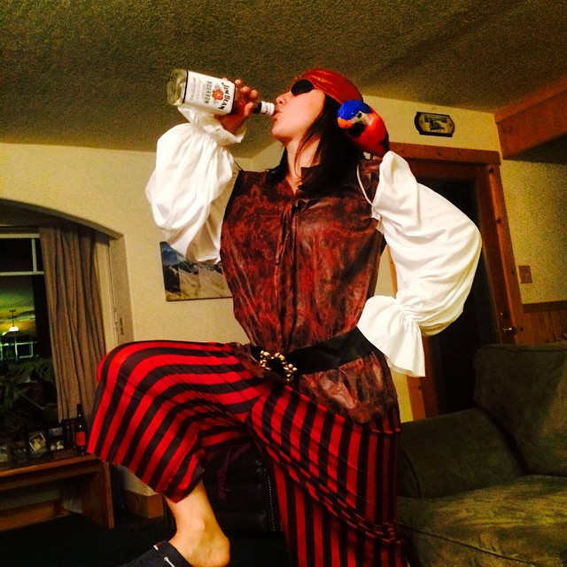 Something about being a pirate makes you thirsty! Hope everyone had a great #Halloween I sure did watching movies and getting spooky at my house:) #theadamsfamily #hauntedhousesrock #kirkwooddeep #wokeuptosnow #partytime #jimbeam is nasty!