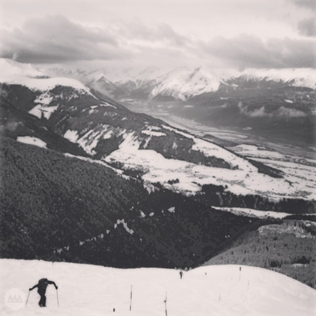 Day 5/5 of the #bwchallenge is a reminder to #earnyourturns. Ski touring has long been a part of ski tradition and culture and innovation today of splitboarding and ski touring is evolving the practice. This photograph captures a loan Austrian on an...
